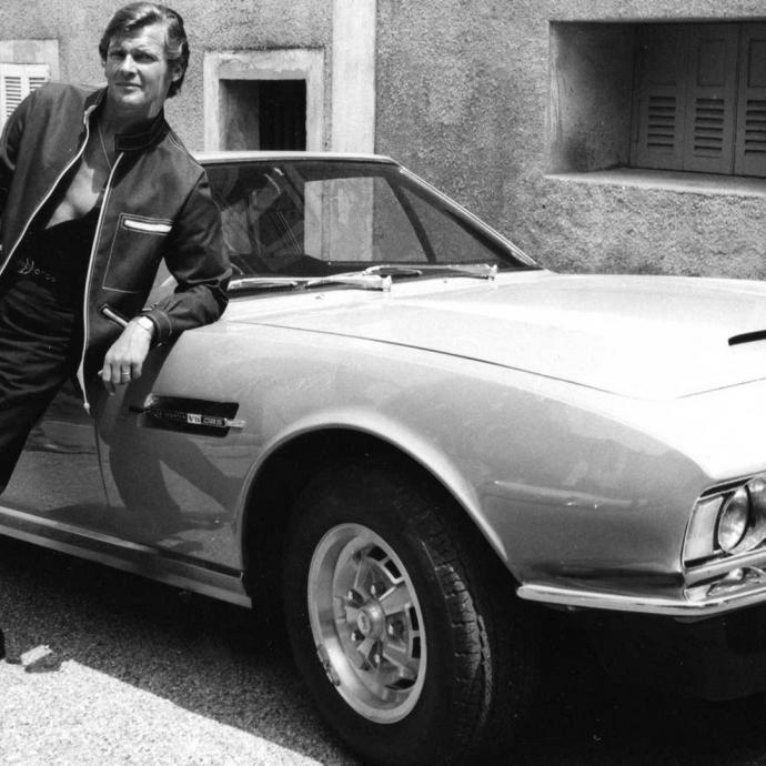 La voiture qui cr&egrave;ve l&#39;&eacute;cran avec l&#39;acteur lors de la s&eacute;rie culte, <em>&quot;Amicalement votre&quot;</em>. Un mod&egrave;le de 1970 vendu il y a 5 ans, &agrave; plus de 650.000 euros.Photo : Photonews