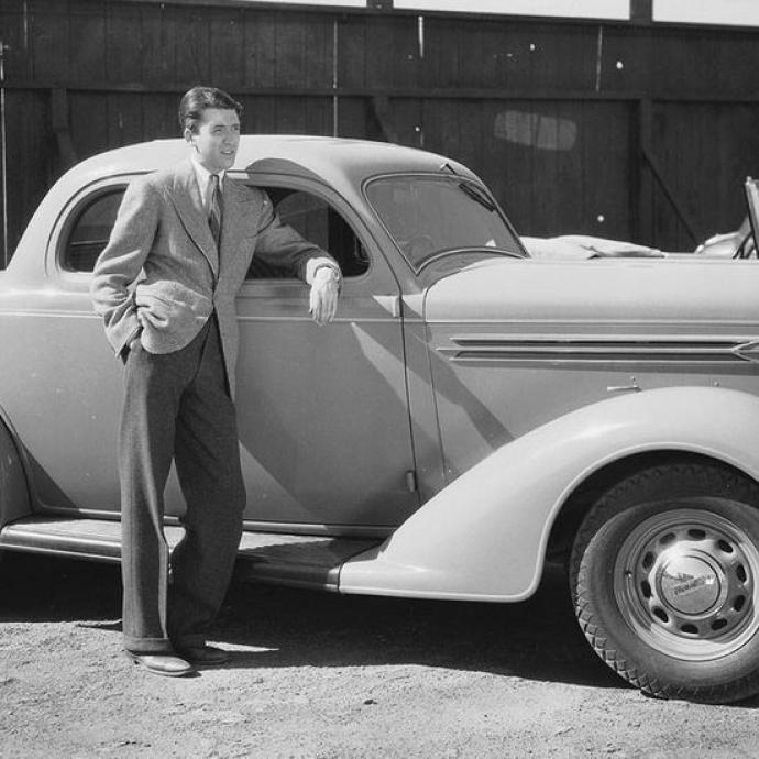 Photo prise en 1936. James Stewart n'a alorspas encore commencé sa carrière d'acteur, il est à l'époque pilote privé.Photo : John Kobal Foundation/Getty Images
