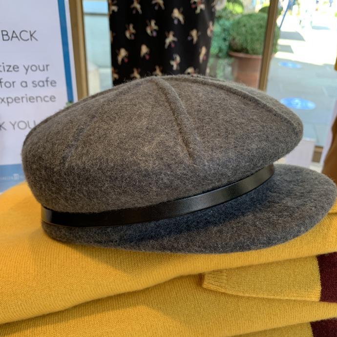 La jolie casquette en laine, chez <strong>Xandr&egrave;s</strong>, <em>45&euro;</em>