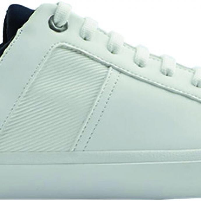 <strong>Un basket qui peut aller au bureau</strong> : Sneaker bicolore, Zara, 39,95&euro;