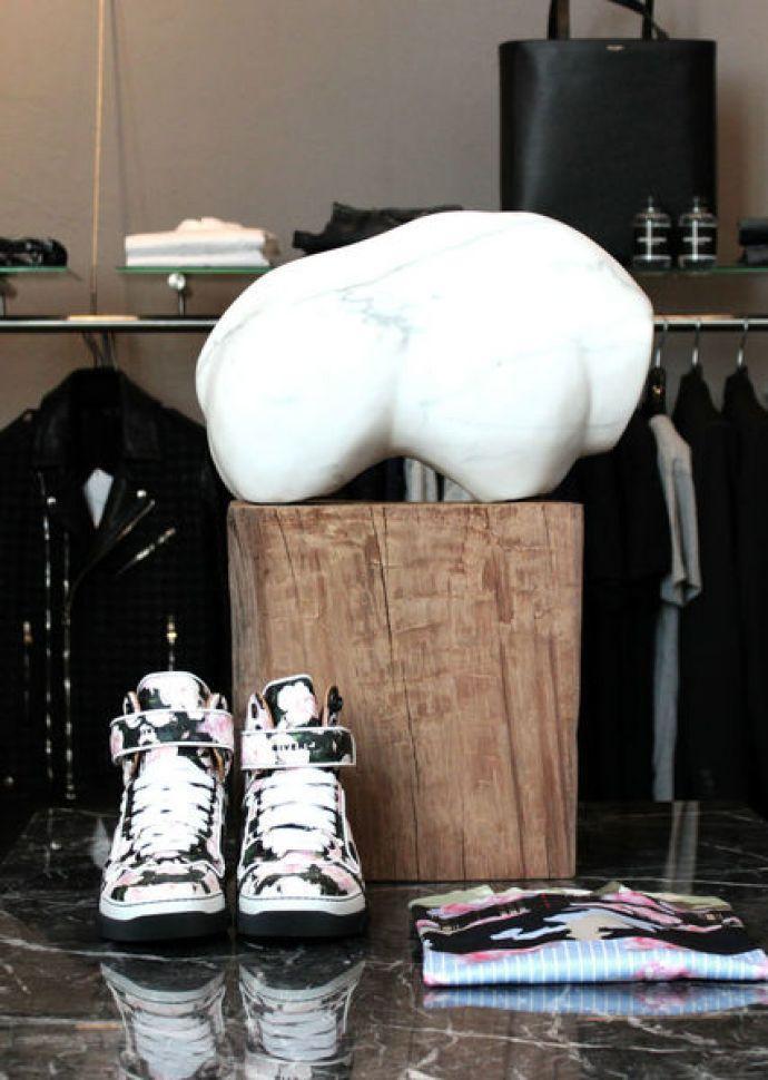Photo: pl-line.com/en/stores/city-outfits