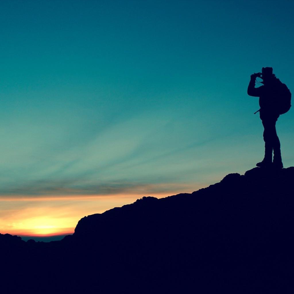 Tolérance au stress : 59 -Salaire annuel moyen : 85 620 $ -Le géographe est un scientifique étudiant la Terre, ses paysages, son fonctionnement, mais aussi les populations. Il peut aussi être un enseignant ou un chercheur.<sub><em>Crédit photo : Pixabay/Free-Photos</em></sub>