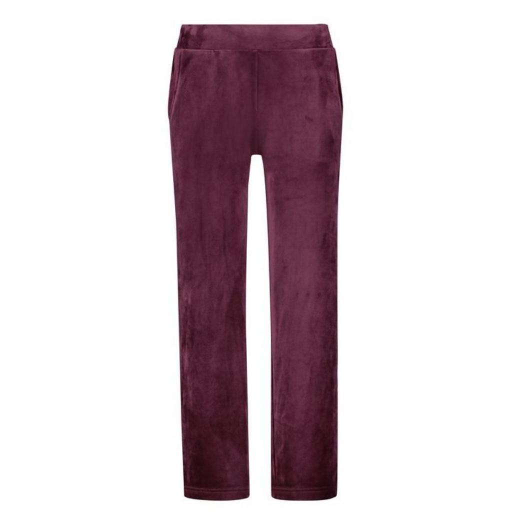 <em>Pantalon en velours, Hunkemoller, 27,99 €.</em><br />
