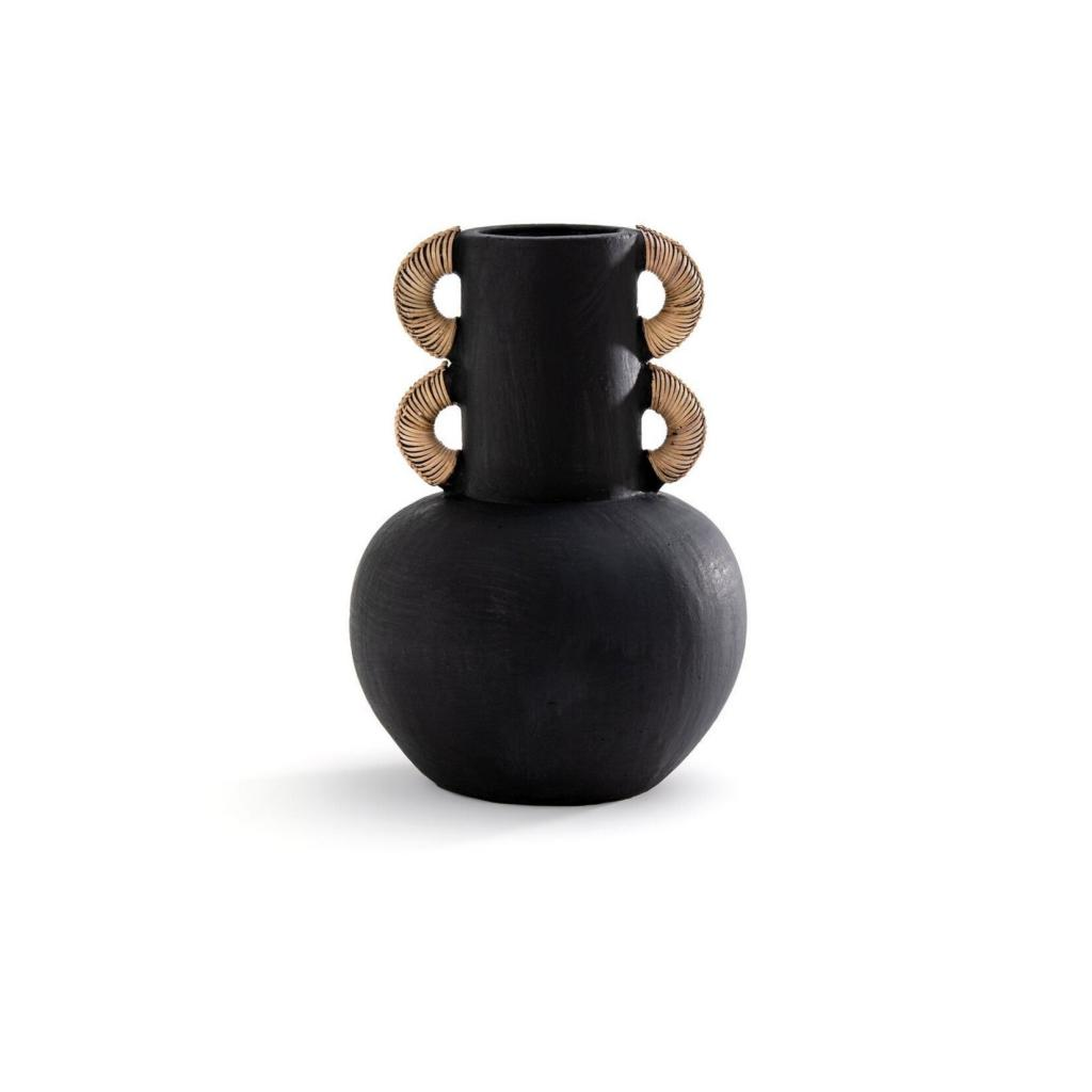 Vase en ceramique et rotin Kuro pour La Redoute, 79,99 €.