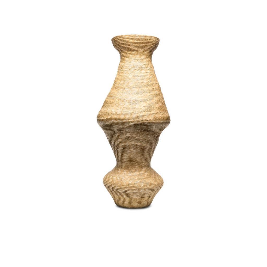Eliurpi, Vase en paille tressee, 804 € sur farfetch.com