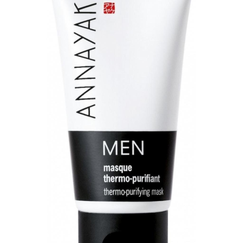 Chez Annayake Men, le Masque thermo-purifiant élimine les impuretés et l'excès de sébum. Disponible chez Planet Parfum.