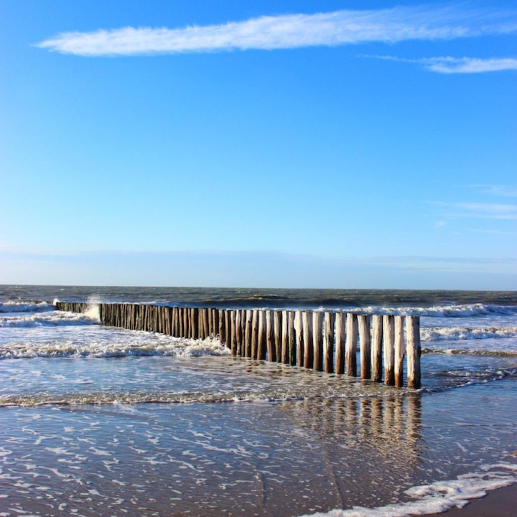 Dans le prolongement de la cote belge, celle de Zelande, la plage et le village de Cadzand offriront une juste dose de depaysement sans devoir aller tres loin...