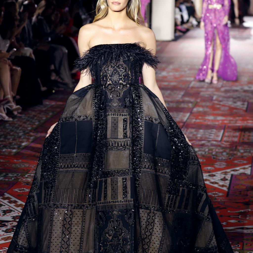 La robe de bal effet patchwork de Zuhair Murad. Haute couture automne-hiver 2019-2020, Paris, le 3 juillet 2019.©Thomas SAMSON / AFP