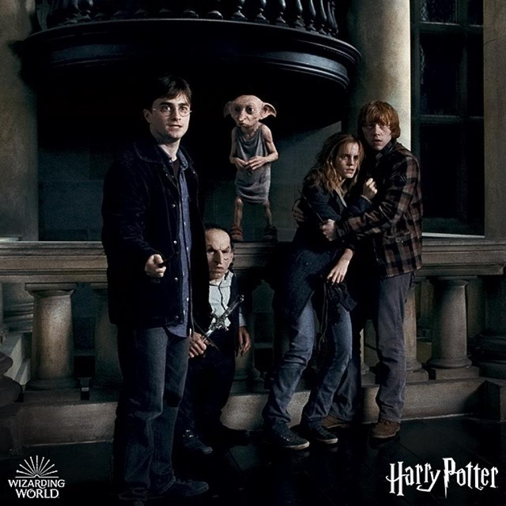 Peu importe le volet de la saga, un film Harry Potter ne déçoit jamais! Plongez-vous à nouveau dans l'univers du plus célèbre sorcier et des amis Hermione et Ron. Et promis, on ne vous en voudra pas si vous prononcez le nom devous savez qui…