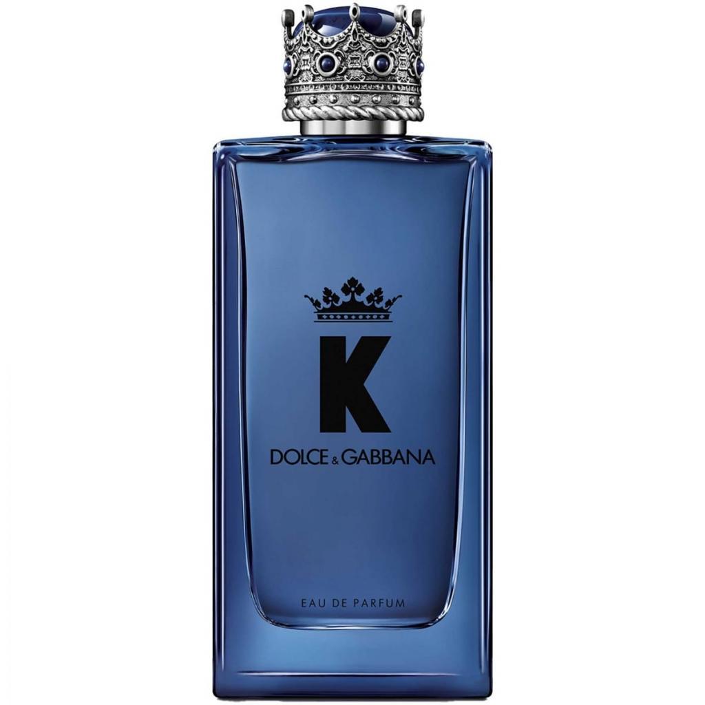 Il est magnétique et rassurant<br />Une fragrance hyper sensuelle : des notes de tête d'agrumes vivifiantes, tempérées par la cardamome le piment pressé et la figue, avec du cèdre et du vétiver boisé en note de fond.<br />DOLCE&amp;GABBANA, K, eau de parfum, 101,90€