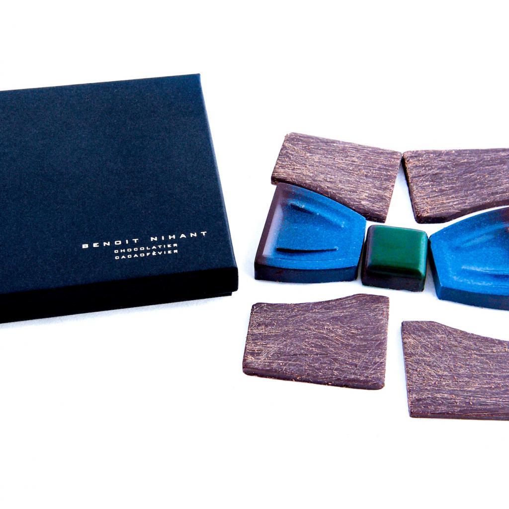 "<em>Un noeud papillon en praliné et chocolat, Benoît Nihant, 24,90 €, disponible i<a href=""https://www.benoitnihant.be/fr"" target=""_blank"">ci.</a></em>"