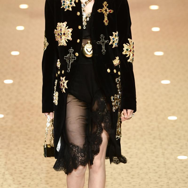 La modèle chinoise He Cong s'est illustrée sur 101 défilés en une année, comme ici chez Dolce & Gabbana.