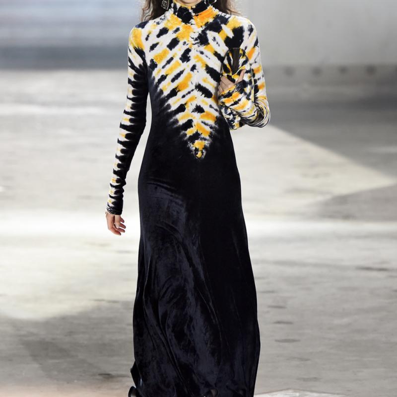 Avec 87 shows en une seule année, Emm Arruda peut se targuer d'avoir défilé pour les plus grandes maisons, dont Proenza Schouler à l'occasion de la semaine de la haute couture.