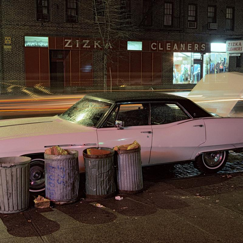 Langdon Clay. Zizka Cleaners car, Buick Electra. Série Cars, New York City, 1976. Diaporama. Courtesy de l'artiste. © Langdon Clay