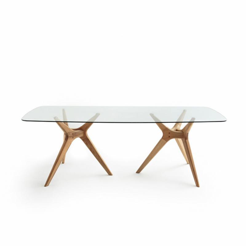 Table en verre et chêne Maricielo. 220 x 100 cm. 769 €.