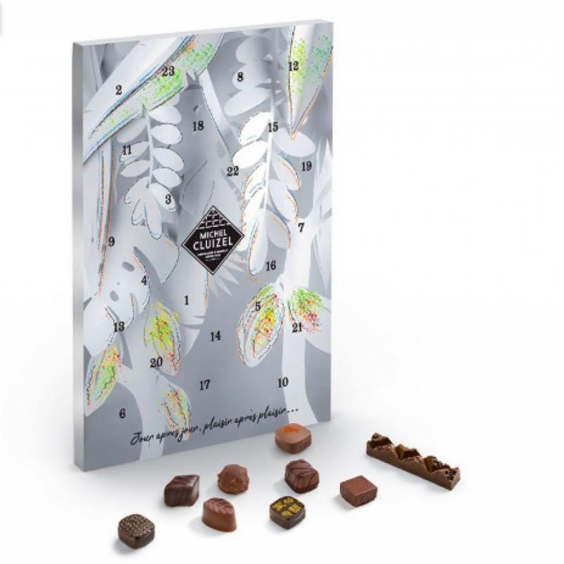 Le chocolatier français, Michel Cluizel, a imaginé un calendrier de l'avent simple et délicieux qui saura à tous les coups ravir les grands amateurs de chocolat. 24 carrés de chocolats, de pralines ou encore de ganaches à dévorer et à apprécier !
