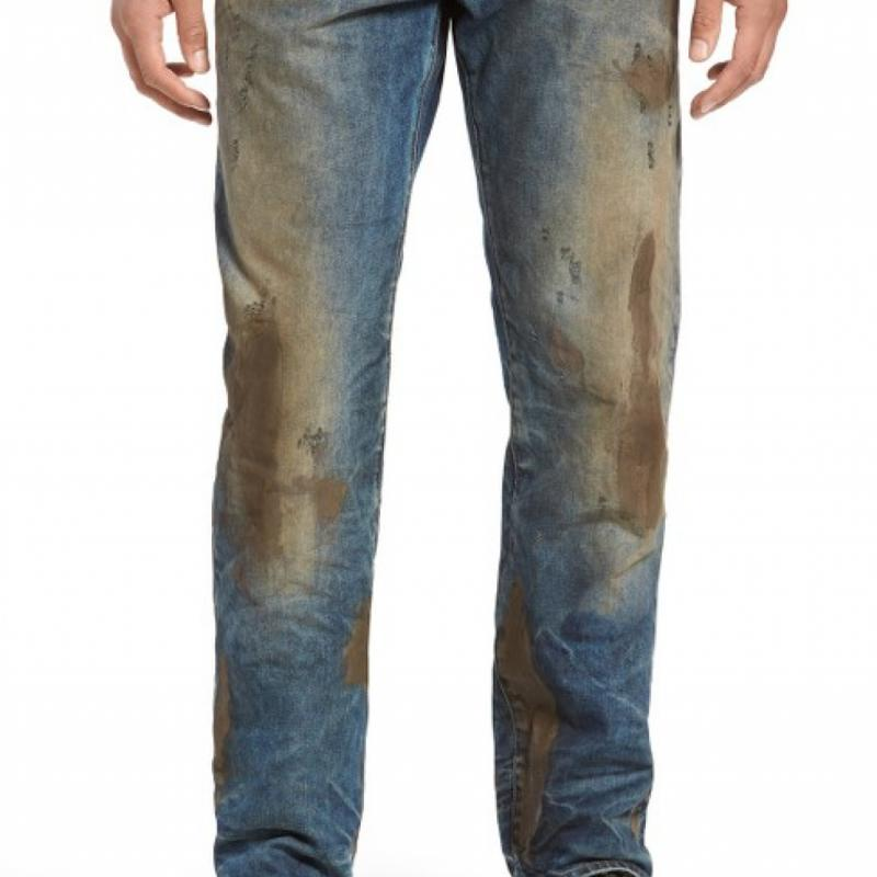 Ce jean couvert de fausse boue à 425 euros chez PRPS. Le comble ? Il est déjà sold out.
