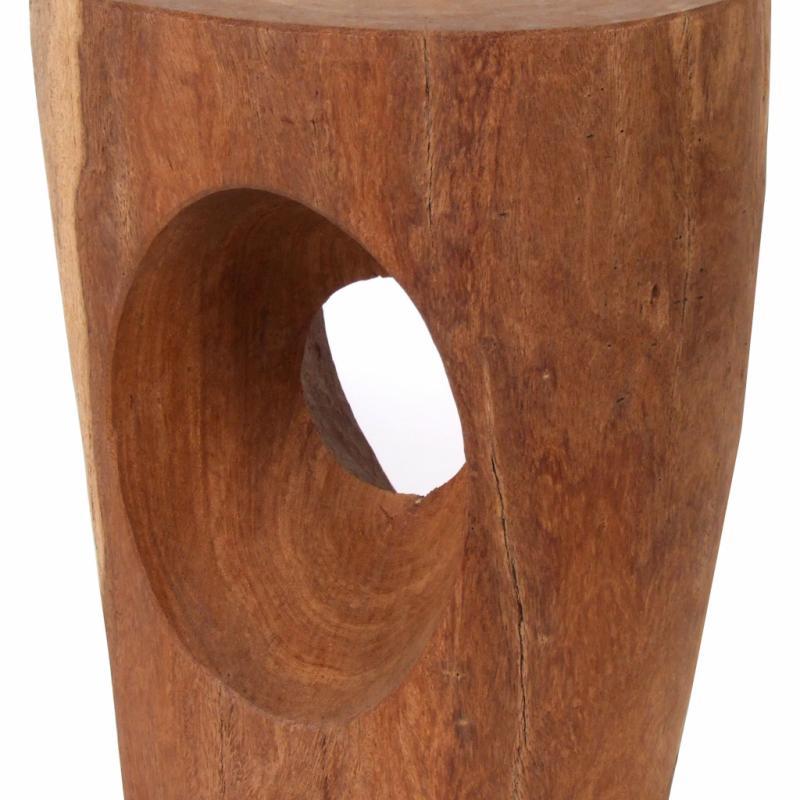 """« Devil's Eye », tabouret en bois sculpté main à la hachette dans un atelier sénégalais (hauteur : 45 cm), 365 €. Pols Potten. <a href=""""http://www.polspotten.nl"""">www.polspotten.nl</a>."""