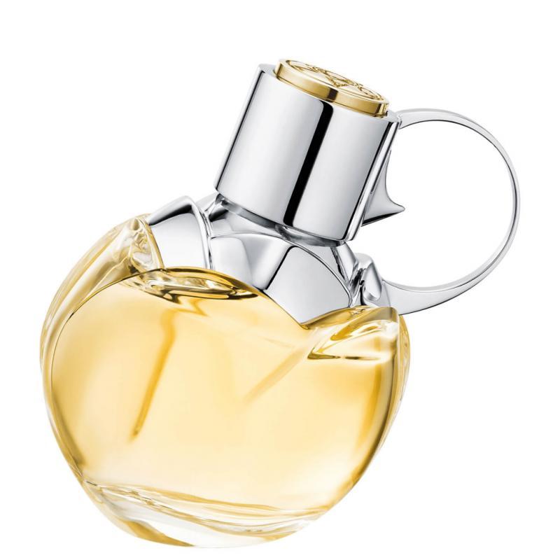 """<a href=""""https://www.planetparfum.com/fr/product/wanted-girl/20040995.html?utm_source=rossel&amp;utm_medium=referral&amp;utm_campaign=201905_rossel_fdm"""" target=""""_blank"""">Une eau de parfum</a> florale et orientale pour nous rappeler qu'il faut être joyeux et joueur et savourer pleinement chaque moment. Notes : bergamote, freesia, fève tonka, bois de santal. Disponible chez Planet Parfum."""