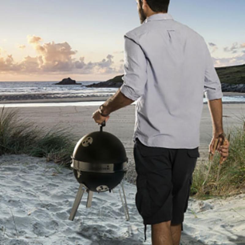 Un minibarbecue pour les papas doués pour la grillade, à emporter partout.Billy, Barbecook, 65€.
