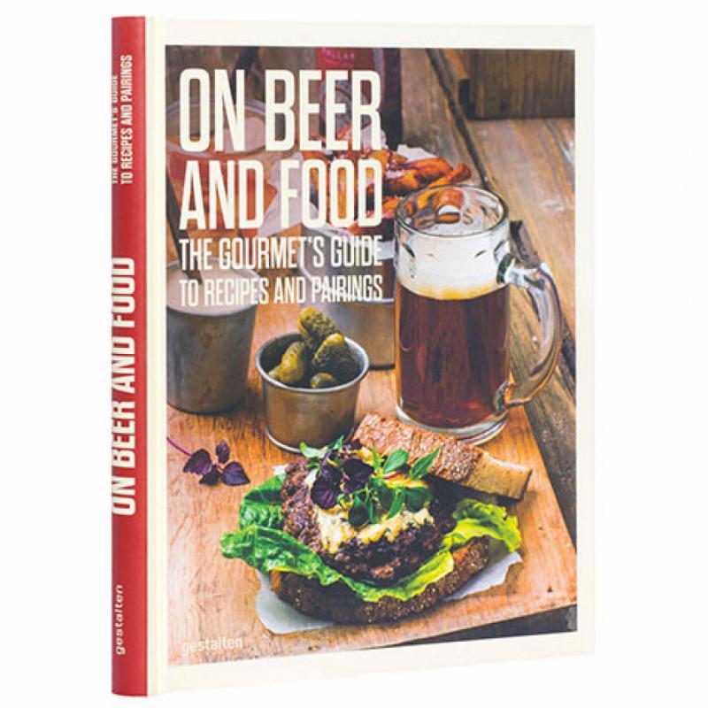 """Pour apprendre comment cuisiner à la bière ou la combiner avec la nourriture, une bible pour les papas zythologues.<em>On Beer and Food</em>, ed. Gestalten, 29,90 € (en anglais uniquement) sur <a href=""""http://www.shopgestalten.com"""" target=""""_blank"""">www.shopgestalten.com</a>"""