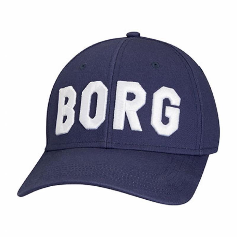 La casquette de Björn Borg, histoire de provoquer la chance en pleine période d'interclubs.Casquette, Björn Borg, 29,95€.