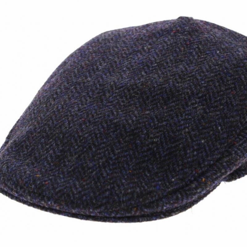 Une casquette en tweed pour ressembler aux héros de Peaky Blinders.