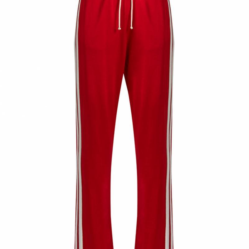 """Pantalon rouge à bandes blanches, MM6 Margiela, 284€ sur <a href=""""http://www.matchesfashion.com/intl/"""" target=""""_blank"""">matchesfashion.com</a>"""