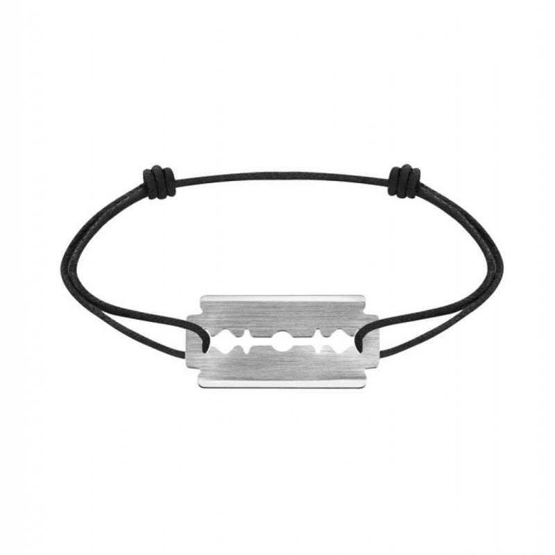 Le bracelet qui s'ouvre les veines si elle le quitte.