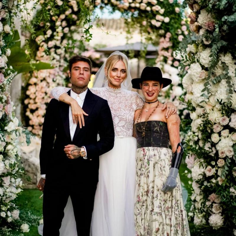 De nombreuses personnalités ainsi que leurs familles étaient réunies pour célébrer ce mariage.