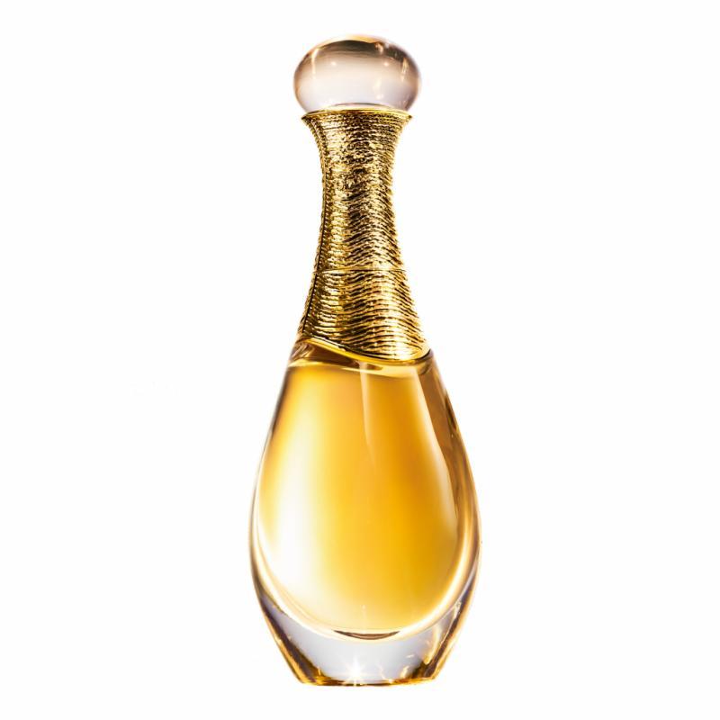On connaît ce jus star de Dior : un grand bouquet de fleurs de Grasse, l'absolu de jasmin et la rose de mai rehaussés d'une pointe de vanille et de tubéreuse entêtante. La maison revisite la fragrance à chaque saison, pour la faire vibrer.