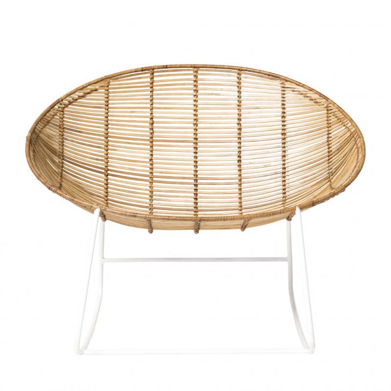 "Orinoco, fauteuil à bascule en rotin, 469€. Bloomingville. <a href=""http://www.bloomingville.com"">www.bloomingville.com</a>."