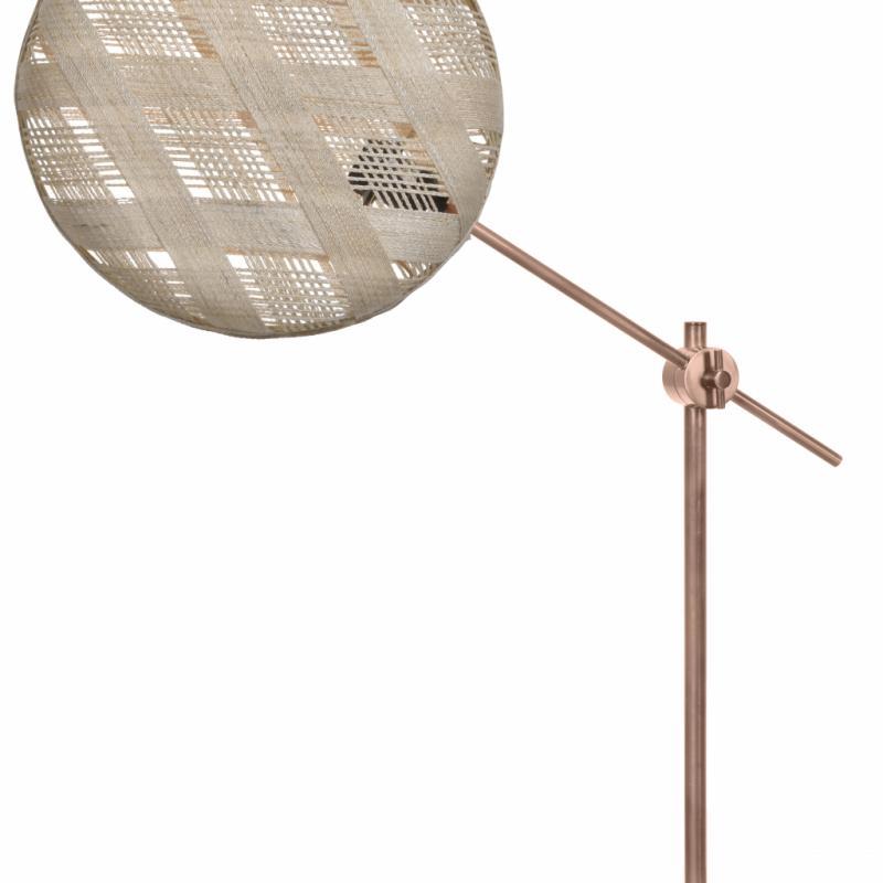 "hanpen Diamant, lampe de table en abaca tissé, métal et marbre (diamètre: 36cm), 290€. Forestier chez Made in design. <a href=""http://www.forestier.fr"">www.forestier.fr</a> et <a href=""http://www.madeindesign.com"">www.madeindesign.com</a>."