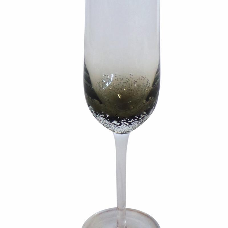 Flute à champagne en verre bullé, KSL Living, 78€ pour 6 flutes