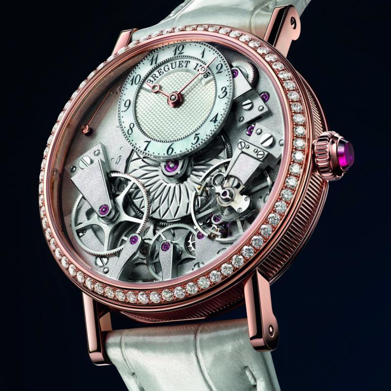 Montre Breguet Tradition Dame - boîtier or rose - couronne sertie - cadran nacre - mouvement automatique.