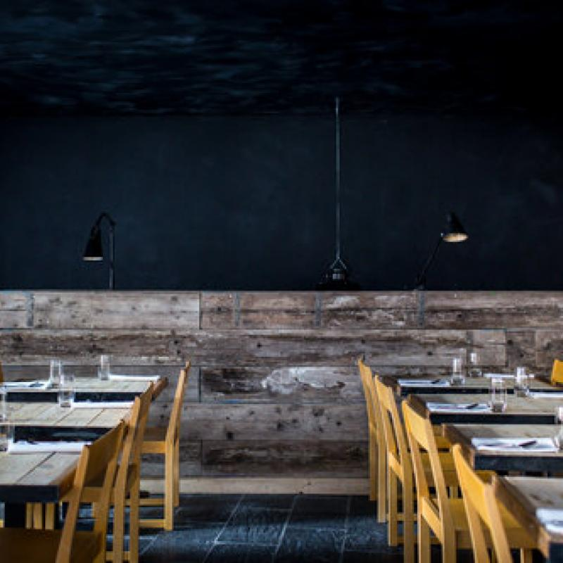 """Inspiré de la cuisine Philippine, cette adresse branchée du centre-ville propose des plats en mode fusion carrément surprenant. Pour voir le menu, rendez-vous sur le site web <a href=""""http://www.humphreyrestaurant.com"""">www.humphreyrestaurant.com</a>"""