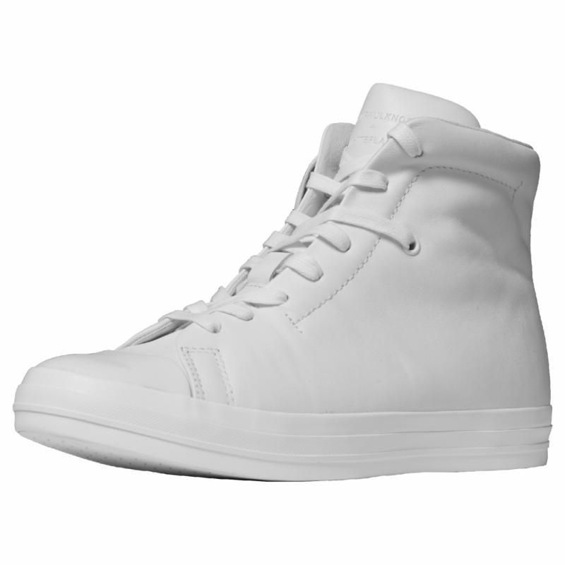 Sneakers montants, Jean Paul Knott, prix sur demande.