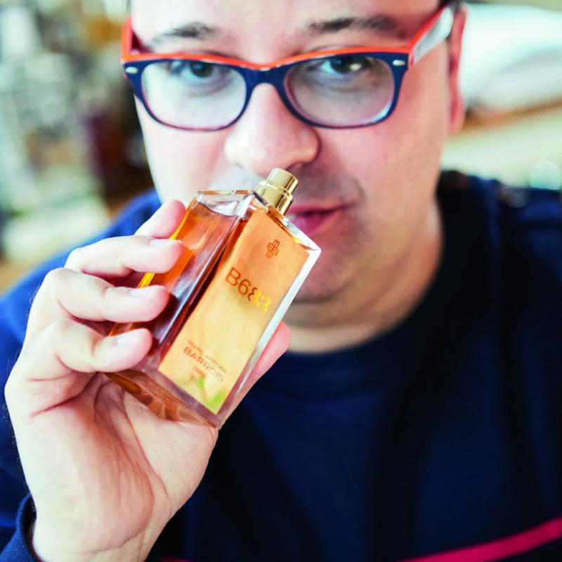 """Amoureux des parfums, son blogest une mine d'infos sur la beauté. Il aime les parfums de niche, avant tout, mais il prend soin de lui et se montre plutôt calé sur tous les produits.<a href=""""http://theblogluxurybysavas.blogspot.be"""">http://theblogluxurybysavas.blogspot.be</a>"""