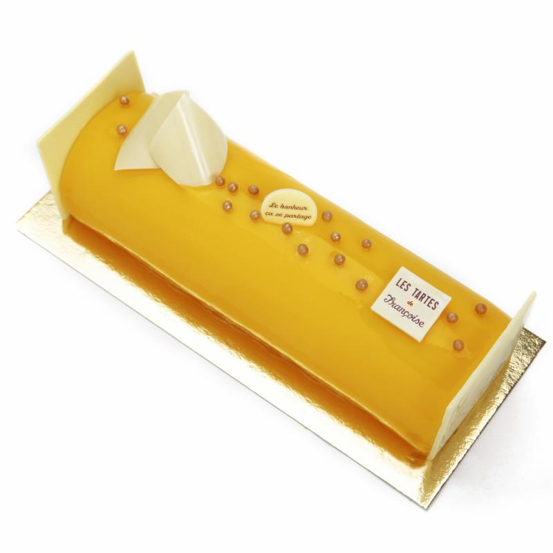 """Mousse aux fruits de la passion et mangue, confit d'abricot, dacquoise aux amandes, glaçage à la mangue. À partir de 20 € (4 p.). <a href=""""http://www.tartes.be"""">www.tartes.be</a>"""