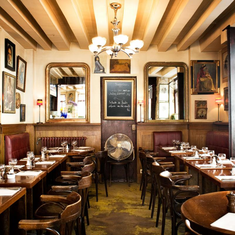 """Ma cantine près de chez moi, place des Vosges. Un vrai petit bistrot follement sympathique avec une cuisine française aux influences thaï.<br />9, rue du Béarn, 75003. <a href=""""http://www.lepetitmarche.eu"""">www.lepetitmarche.eu</a>"""