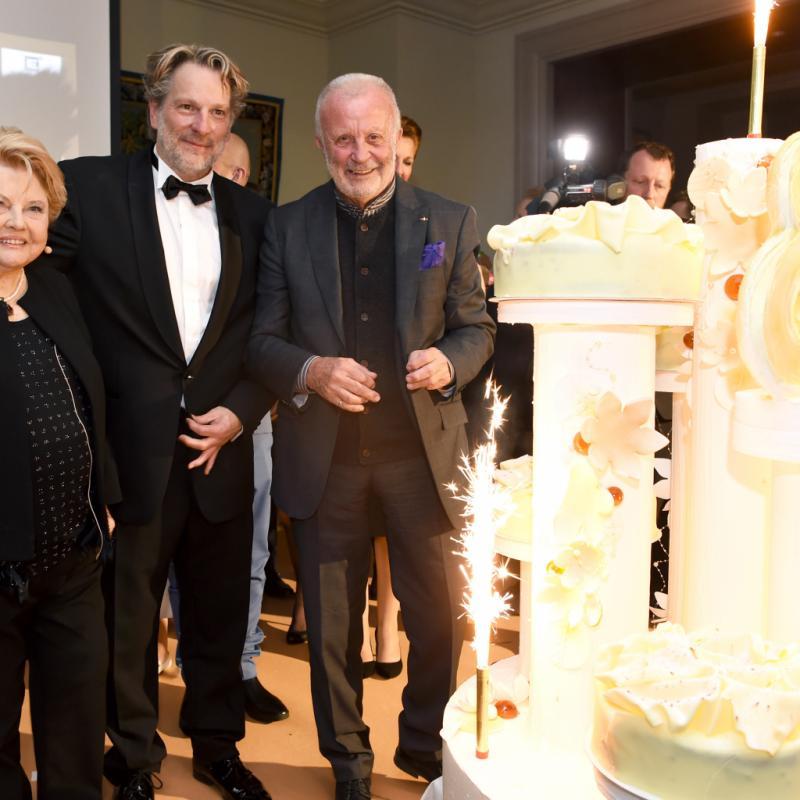 Il était impensable de célébrer nos 80ans sans rassembler Madame Roger, 89 ans, et Monsieur Claude. C'était extraordinaire de retracer avec eux cette merveilleuse aventure. Cette soirée avait l'allure d'une fête de famille.
