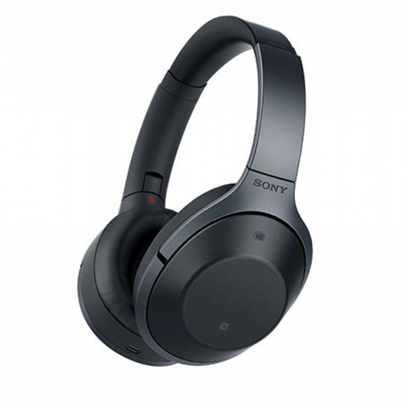 Le casque antibruits, pour le laisser s'échapper un peu et profiter de sa musique ringarde.Casque Sony X1000, 400€.