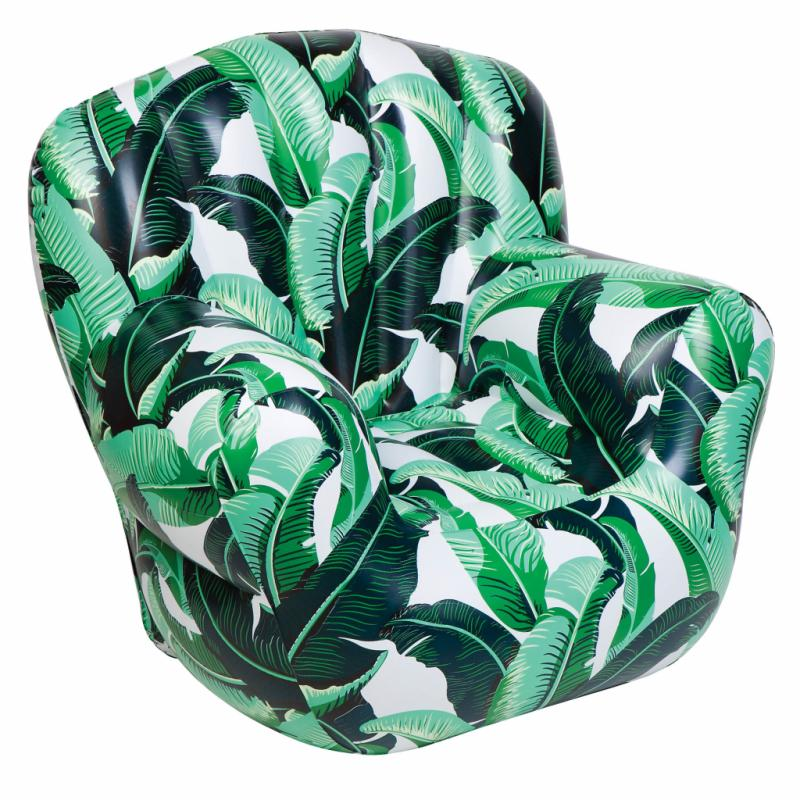 "« Banana Palm », fauteuil gonflable en PVC, 59 €. Sunnylife chez Made in design. <a href=""http://www.sunnylife.com.au"">www.sunnylife.com.au</a> et <a href=""http://www.madeindesign.com"">www.madeindesign.com</a>."